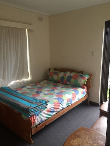 Temp Accomodation Kilburn SA - Kilburn - บ้าน