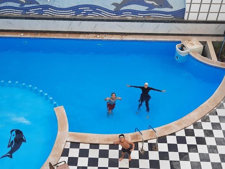 New Furnished Studio - pool view - Sheraton St.