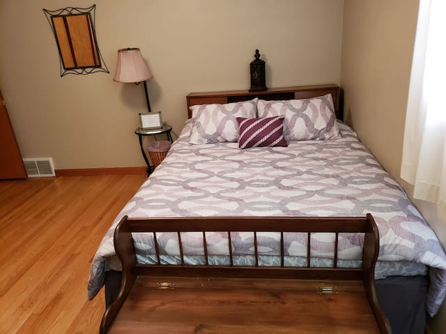 Queen Bed in Burlington