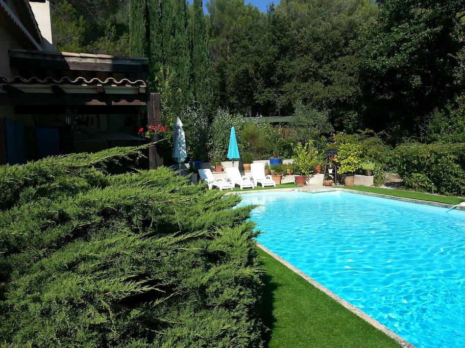 Farniente avec le soleil qui vous caresse et les cigales qui vous chantent la Provence.