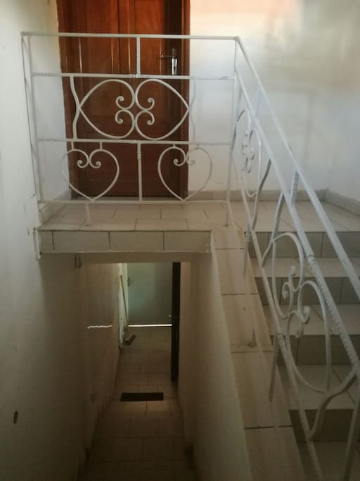 Entrée privative vers l'appartement