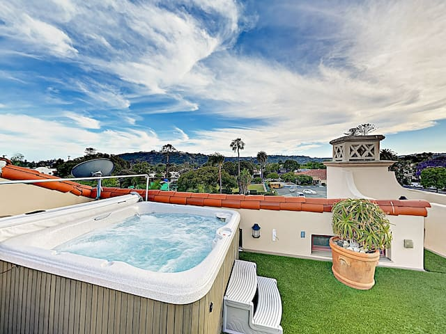 Downtown Penthouse w/ Rooftop Hot Tub & Views