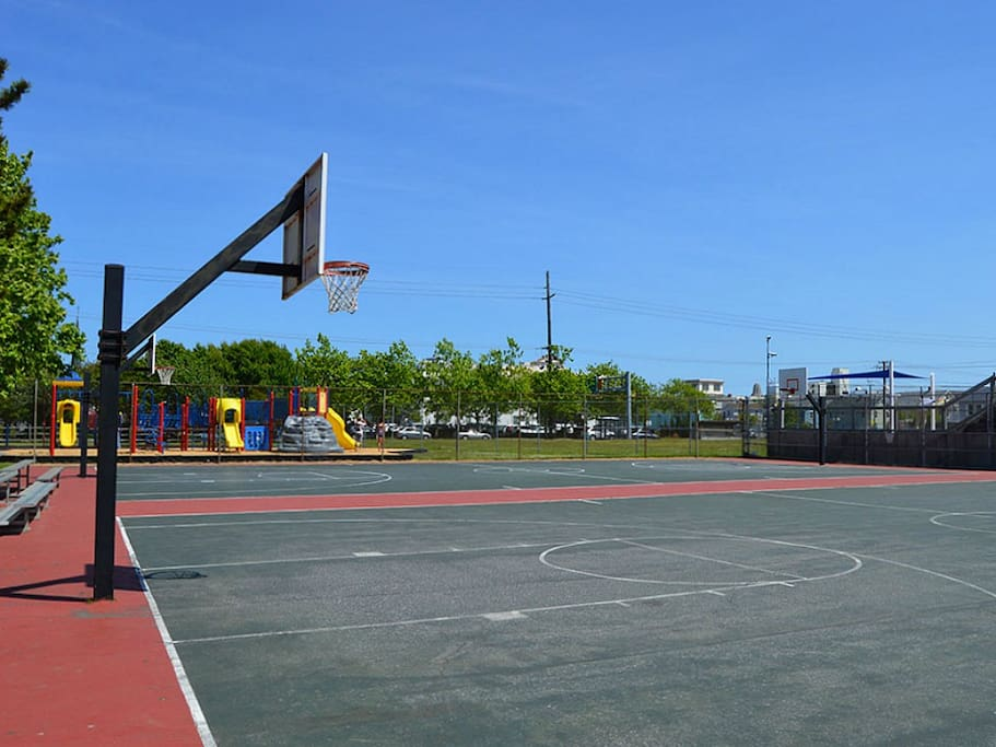 4th St basketball court
