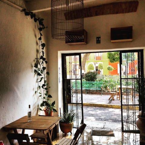 A una cuadra del zócalo de ciudad. - Tlaxcala - Bed & Breakfast