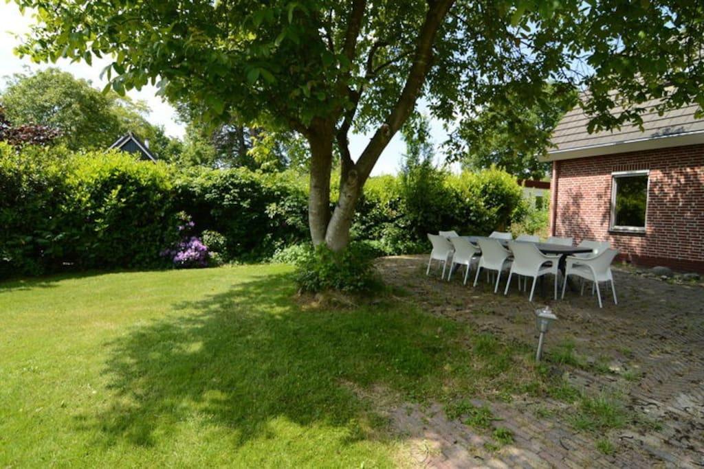 Heerlijk vrijstaand huis met een grote tuin