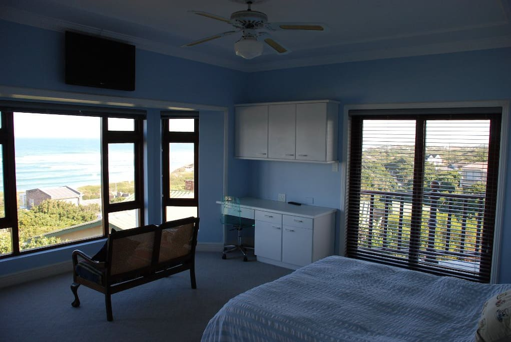 Standard Queen Room view of the ocean and golf course