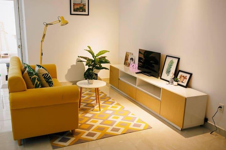 La Vie En Rose /Yellow - Sea View Apartment