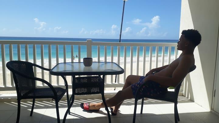 3 BR 3 Bath Beachfront Villa 6 persons US$5000/mth