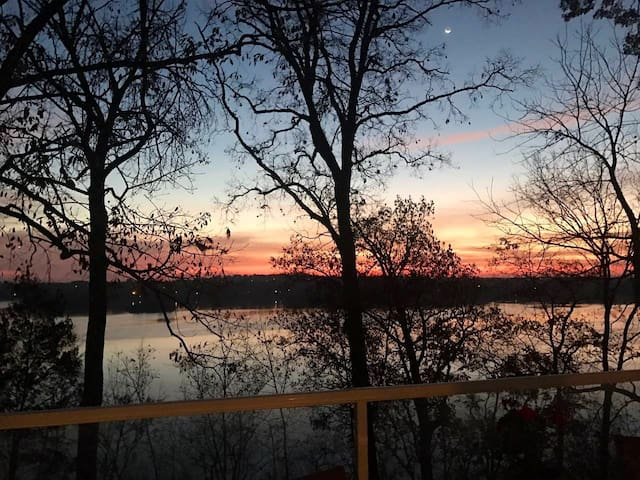 Old Hickory Lake Home with Amazing View!
