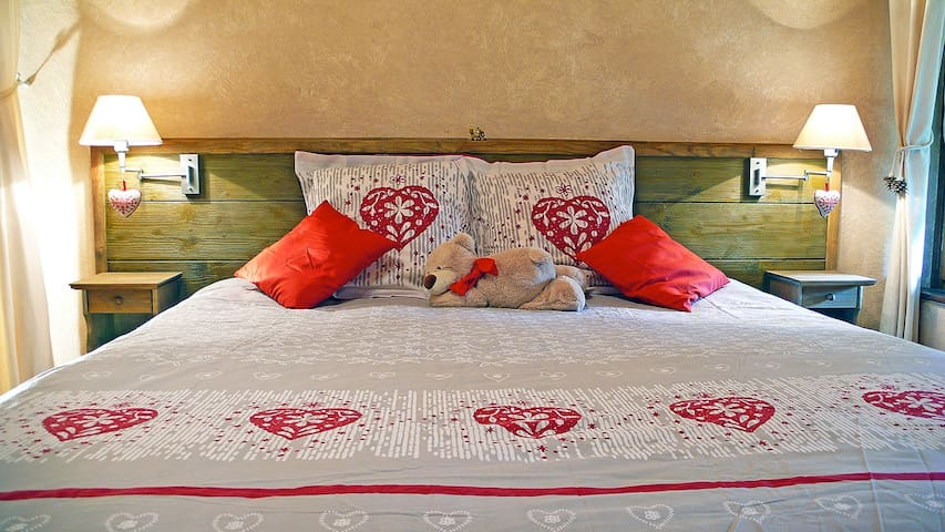 L'OURSERIE BnB Double room king size bed