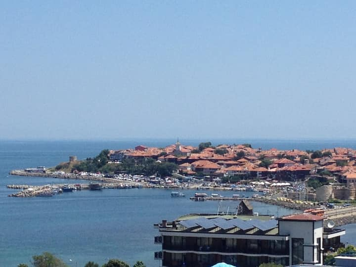 WARM STUDIO 28m2. NESSEBAR Near OLDTOWN & Sea.