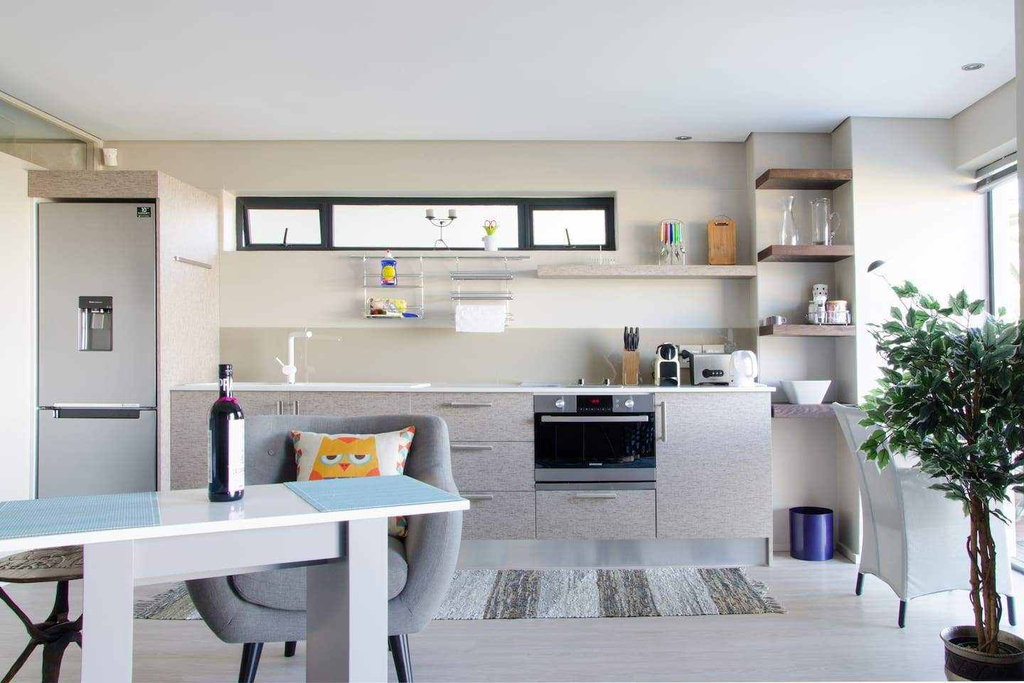 STYLISH STUDIO N HIGH ABOVE CAPE TOWN - Guest suites for Rent in ...