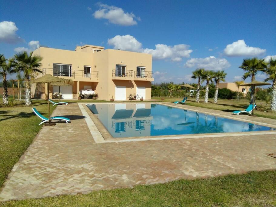Magnifique villa proche m dina piscine priv e villas for Piscine privee marrakech
