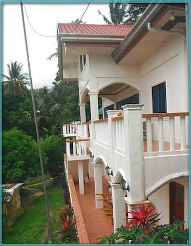 APARTMENT  (Near Beach & Ocean View) - Puerto Galera - Apartment