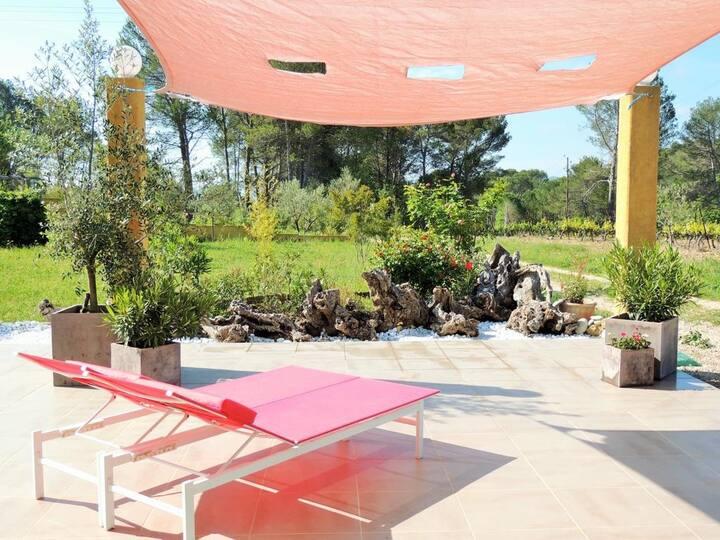 Belle villa au cœur des vignes de Provence
