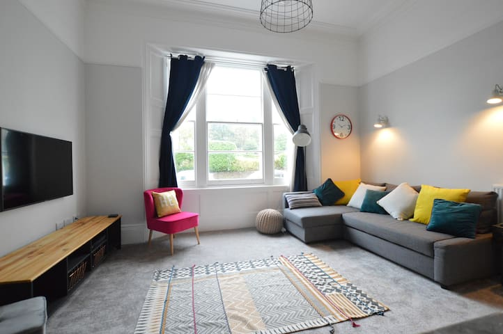 3 Sheets To The Wind | Torquay Boutique Apartment