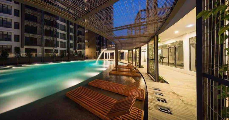 Farra Homestay @Urban 360 same level Swimming Pool