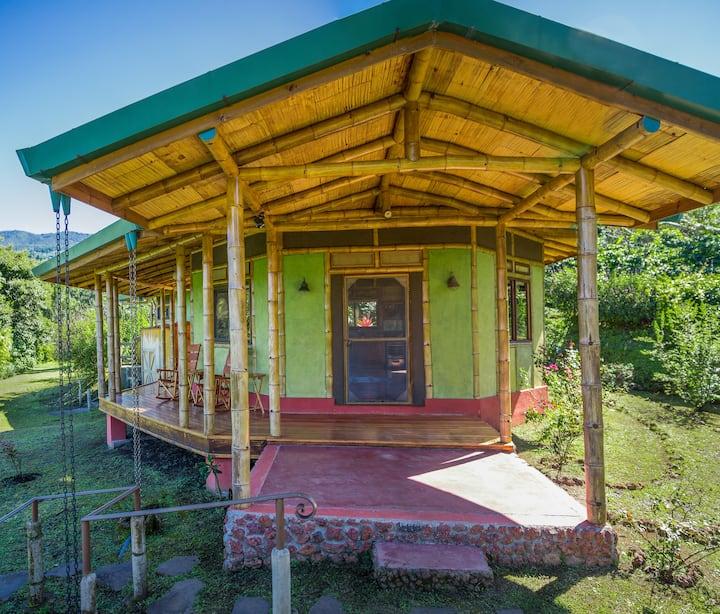 Stunning Bamboo House on Coffee Farm near Poas