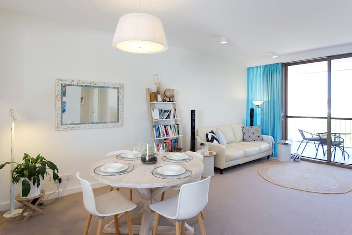 Beach of Plenty Boutique Apartment - Fremantle - North Coogee - Apartment