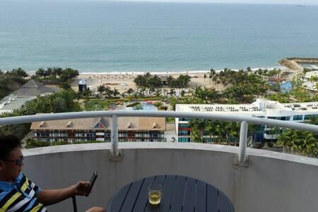 PENTHOUSE con Balcon y Vista al Mar cerca de playa