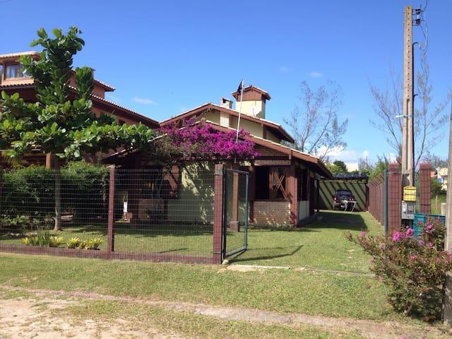 casa na praia  de ibiraquera ,imbituba, rosa