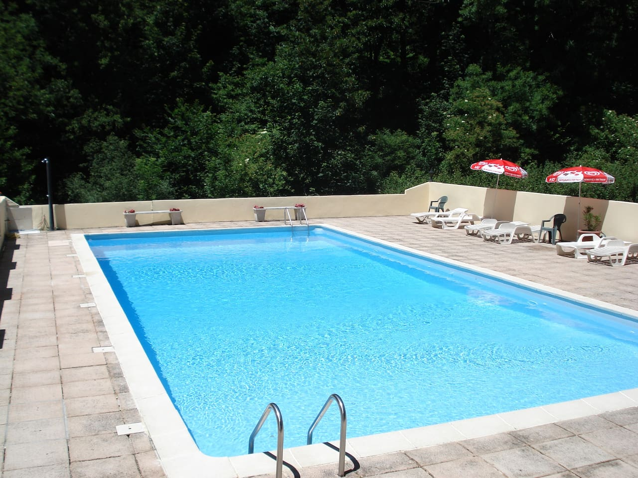 16m outdoor pool