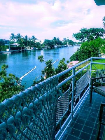 Escape to The Ocean Isle at Miami Beach Florida