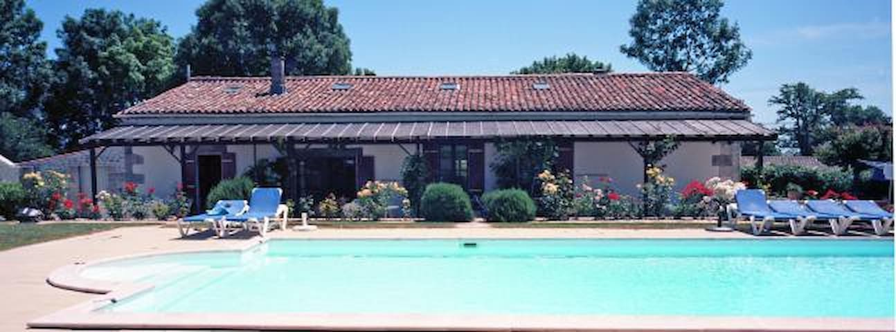 Large Gite with heated swimming pool - Chenac-Saint-Seurin-d'Uzet - Holiday home