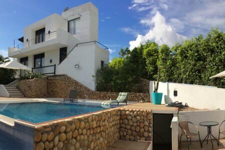 Linda y moderna casa en Melgar, Tol - La Estancia
