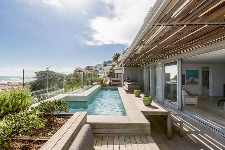 Waters Edge 1 - Luxury Villa - Camps Bay