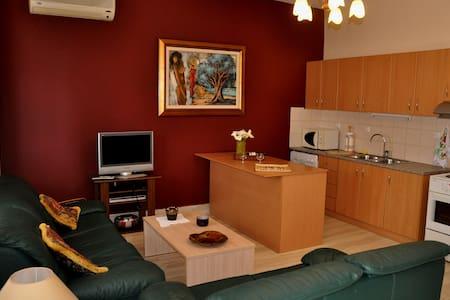 Knossos AirBnB Apartment - Iraklio