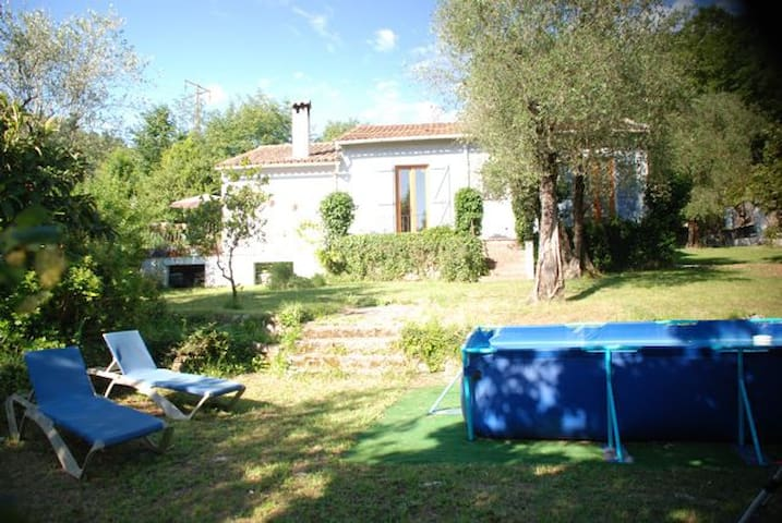 Charming 3 bed family home with above ground pool - Le Bar-sur-Loup - House