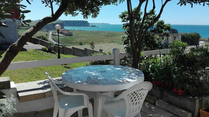 Loft  sobre  la playa con jardín. WIFI - Galizano - Loft