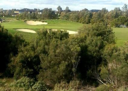 Sanctuary Lakes Golf Course  - Resort Living - ポイントクック - タウンハウス