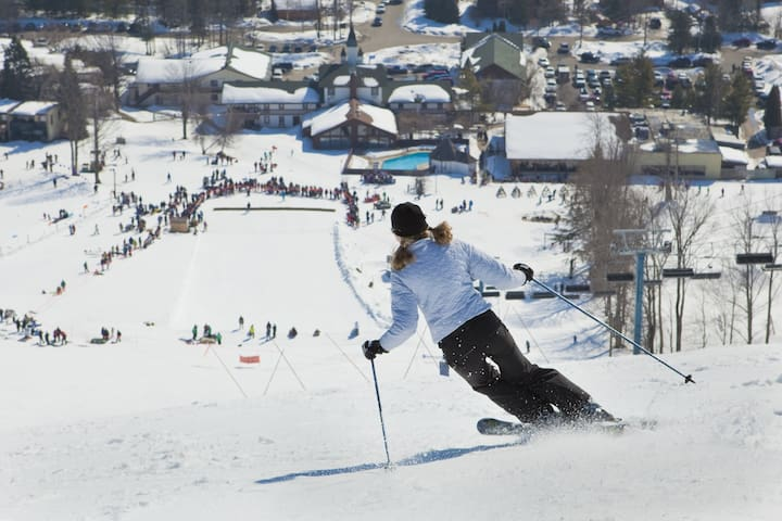 Steps Away from Slopes, Dining, Tubing and Golf