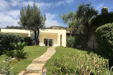 Charming Oleandro Villa at  Is Molas  Golf Resort - Pula - Vila