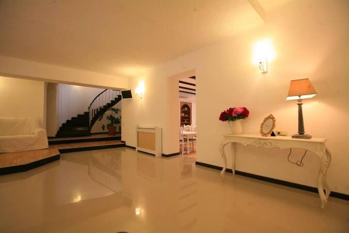 Hotel Vera House