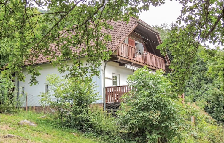 Holiday cottage with 2 bedrooms on 80m² in Weissenstein