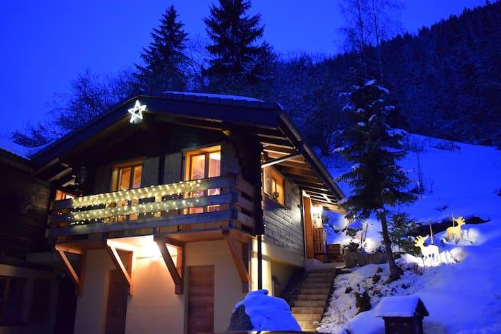 Chalet Les Frasques: Anniviers, ski, nature, sauna - Saint-Jean