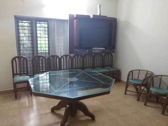 Elegant room on rent  near Downtown Kochi - Kochi - Huis