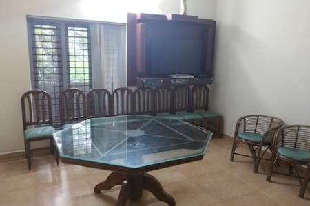 Elegant room on rent  near Downtown Kochi - 科欽