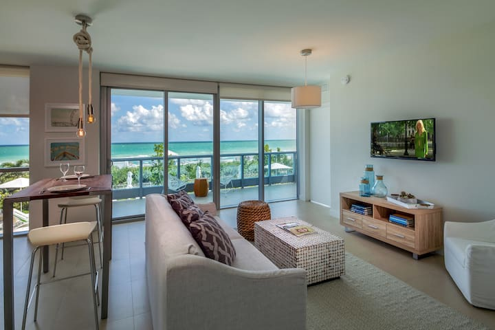 Domio | Miami Beach | Pool View One Bedroom + Balcony