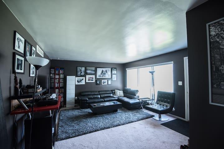 Room in apt Downtown Royal Oak - Royal Oak - Daire