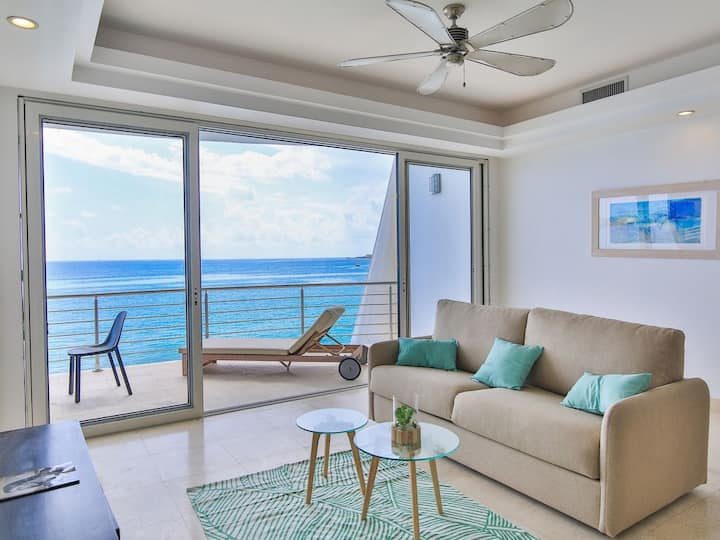 Luxury condo on Simpson Bay Beach