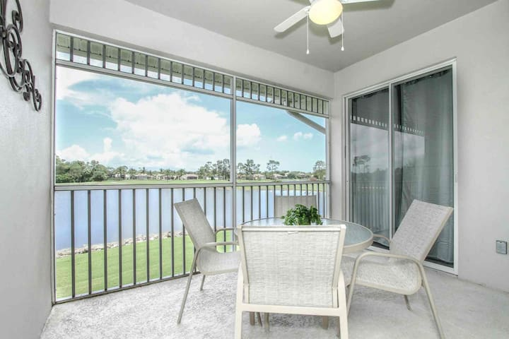 Renovated GreenLinks/Lely Condo-Free Golf w/cart rental, Amazing Views! Resort Amenities Near Beach