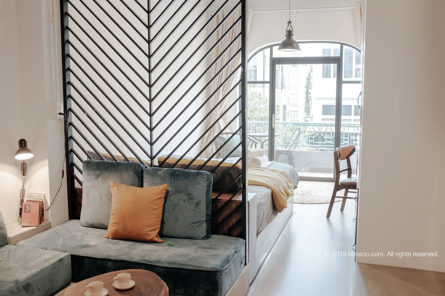 Tall-ceiling for fresh and bright vibe