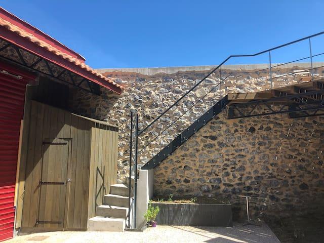Studio avec terrasses plein centre Hasparren (PMR)