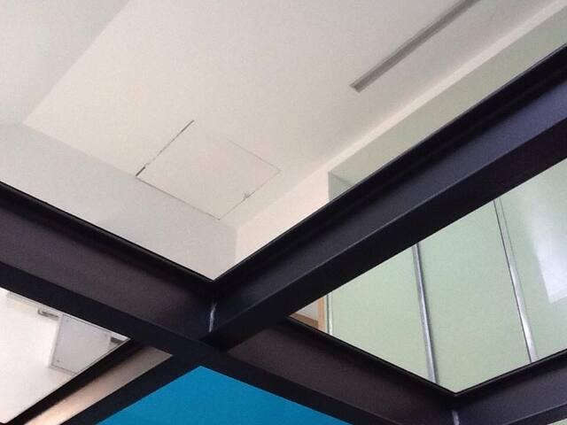 nog een beeld van glazen plafond / vloer