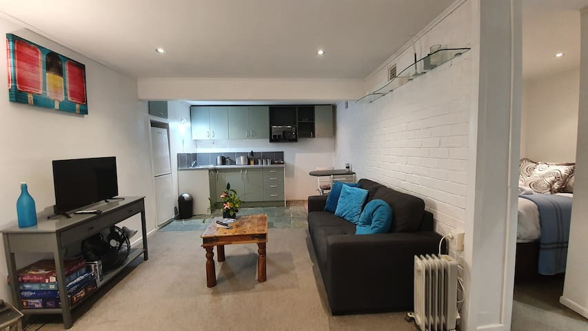 ✨ Lovely Downstairs Unit in Kohimarama ✨