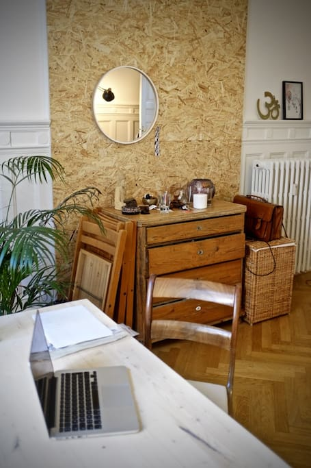 Dining table / Work desk